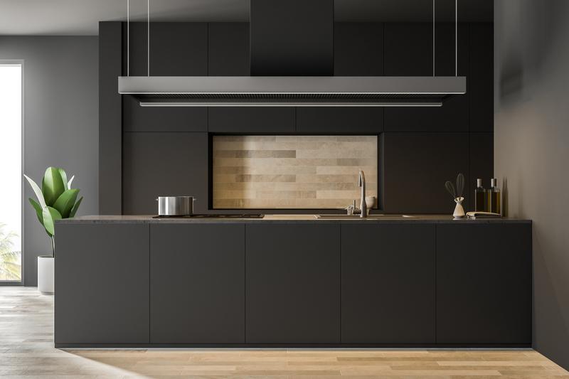 Een donkere keuken